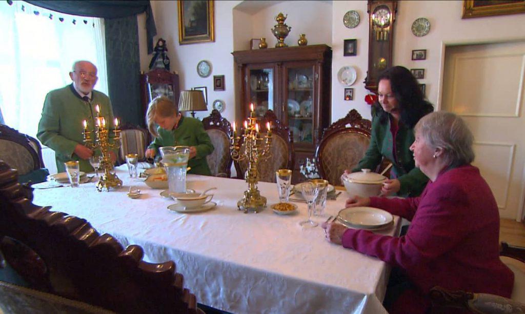 Zámek Bludov je domovem rodiny Mornstein-Zierotin. Brány zámku se otevírají pro pořádání svateb a konání kulturních událostí.